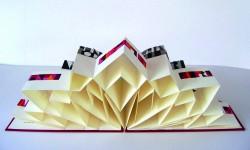 """Faltbuch zum Gedicht von R. M. Rilke """"Mein Leben ist nicht diese steile Stunde"""" Aquarellschrift, 26,5 x 30 cm, Gesamtlänge 156 cm, Leineneinband mit Bild und Schuber, Rea Siegel-Ketros"""