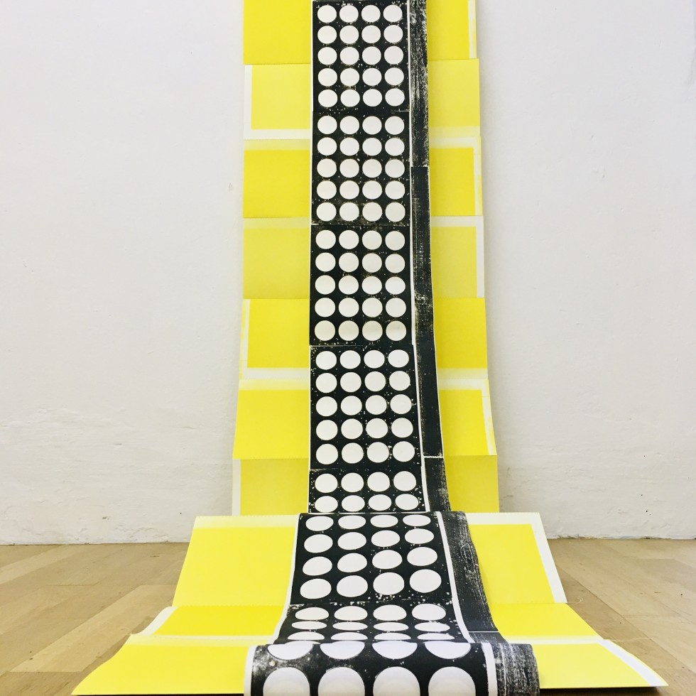 Sabine Sulz, 2020, INSIDE-OUT, Papierinstallation (Teil) ca. 200 cm x 300 cm, Druckgrafik