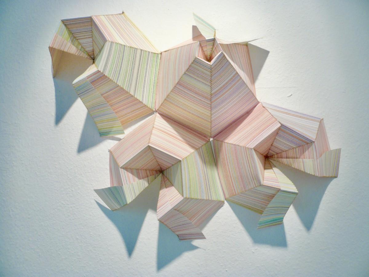 Sabine Sulz, 2015, KOLONIE, Papierobjekt, ca. 80 x 80 cm, Buntstift